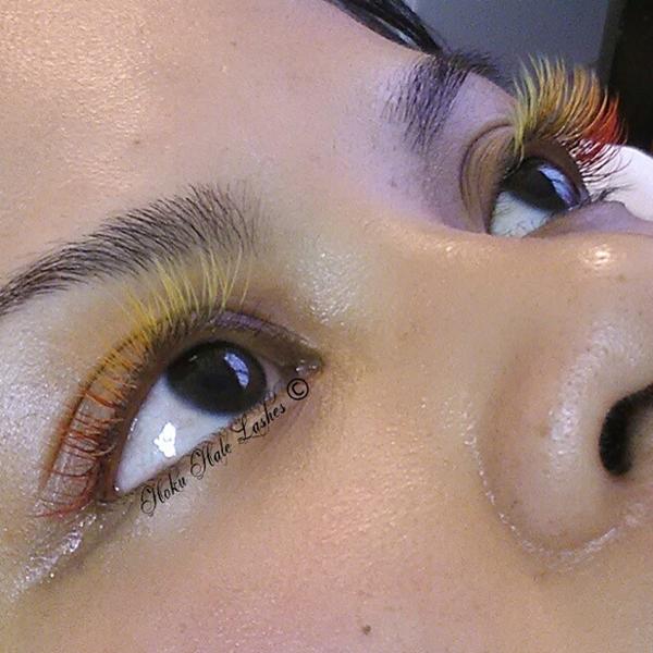 Để có hàng mi nhiều màu đẹp mắt, bạn có thể phối màu theo phong cách ombre, từ nhạt đến đậm theo chiều dài mí mắt.