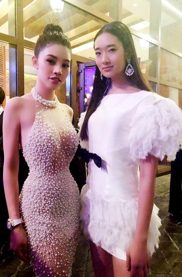 Mỹ nhân Việt kiều Australia hội ngộ nữ diễn viên Thái LanChutimon của phim Thiên tài bất hảo.