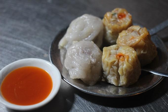 Tiệm hủ tiếu - phở lạ miệng của người Hoa ở Sài Gòn - 2