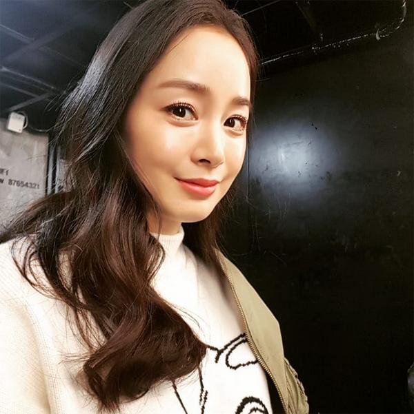 Tae Hee trở lại công việc với tâm trạng phơi phới.