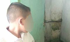 Cô giáo phạt học sinh liếm nhà vệ sinh 12 lần vì không làm bài tập