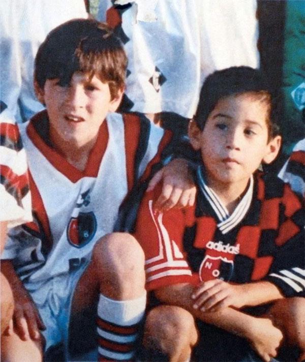 Messi bị rối loạn hormone tăng trưởng từ nhỏ, phải tiêm thuốc