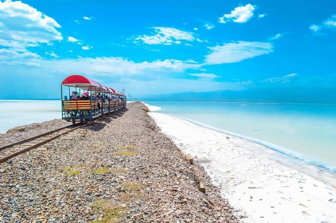 Hồ muối Chaka đẹp tới nao lòng. Ảnh:kazzywu