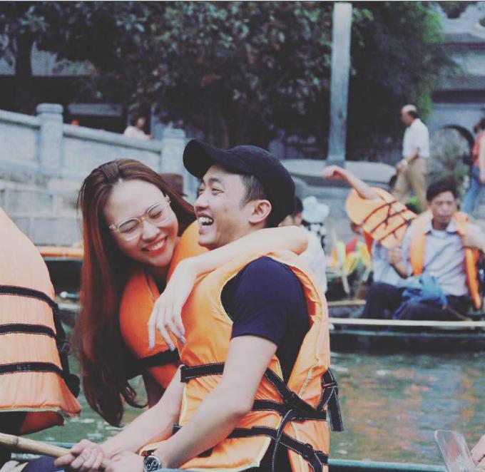 Đàm Thu Trang khoe khoảnh khắc hạnh phúc bên Cường Đôla. Cô viết: Nụ cười được mùa.