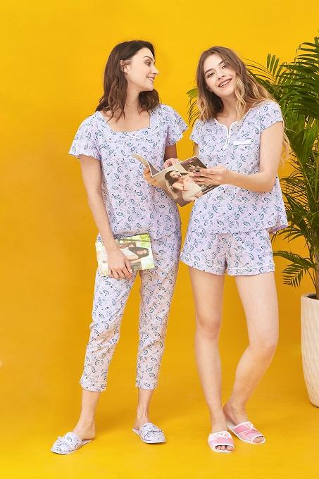 Đại diện thương hiệu Vincy cho biết, các hình họa, gam màuxu hướng sẽ giúp người mặc cảm thấy tươi mới, tràn đầy cảm hứngmỗi ngày.