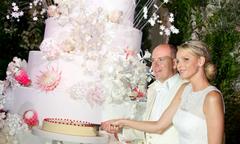 Đo độ 'khủng' của những chiếc bánh cưới trong hôn lễ hoàng gia