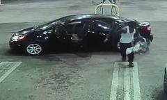Trộm hoảng sợ trả lại em bé trên chiếc ôtô đánh cắp
