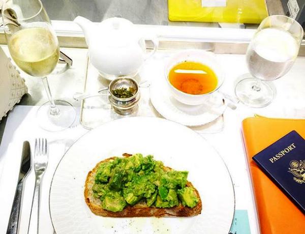 Meghan thường bắt đầu một ngày mới bằng bữa ăn dinh dưỡng. Ảnh: Instagram.