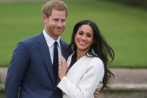 Hoàng tử Harry đính hôn với nữ diễn viên Mỹ, Meghan Markle cuối tháng 11/2017. Ảnh: AFP.