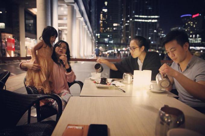 Trong chuyến sang Sydney, Thanh Lam dành trọn thời gian để ở bên vợ chồng con gái và cháu ngoại.