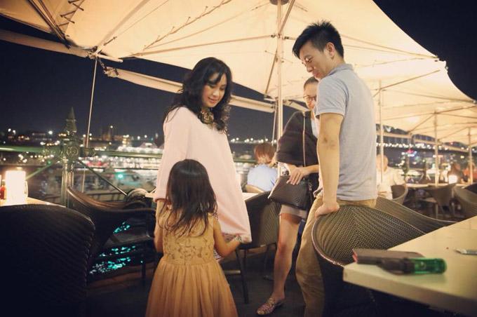 Diva Thanh Lam quấn quýt bên cháu ngoại ở Australia - 8