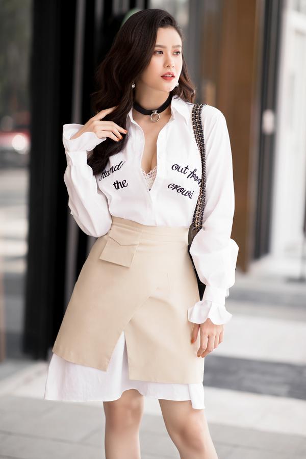 Trương Quỳnh Anh cho biết, trong năm naymĩnh sẽtập trung định hướng bản thân trở thành nữ ca sĩ hiện đại với gu ăn mặc trẻ trung mỗi khi xuất hiện trước công chúng.