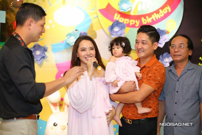 Vợ chồng Hải Băng - Thành Đạt làm tiệc thôi nôi cho con gái - 10