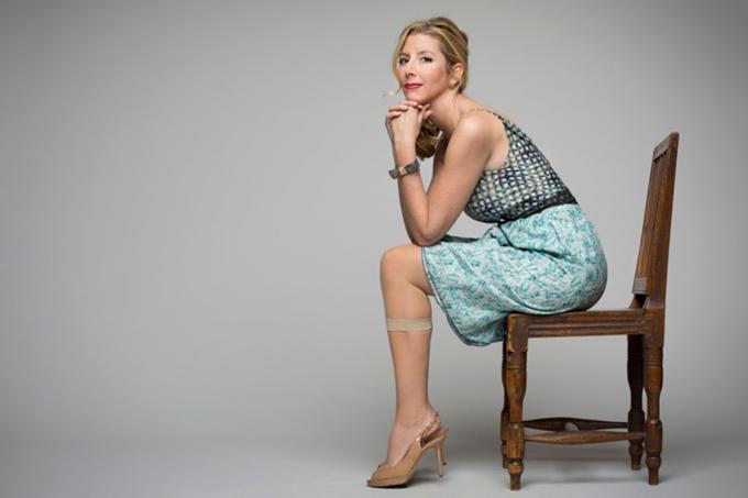 Nữ tỷ phú tự thân trẻ nhất thế giới thành công chỉ nhờ ý tưởng quần lót định hình