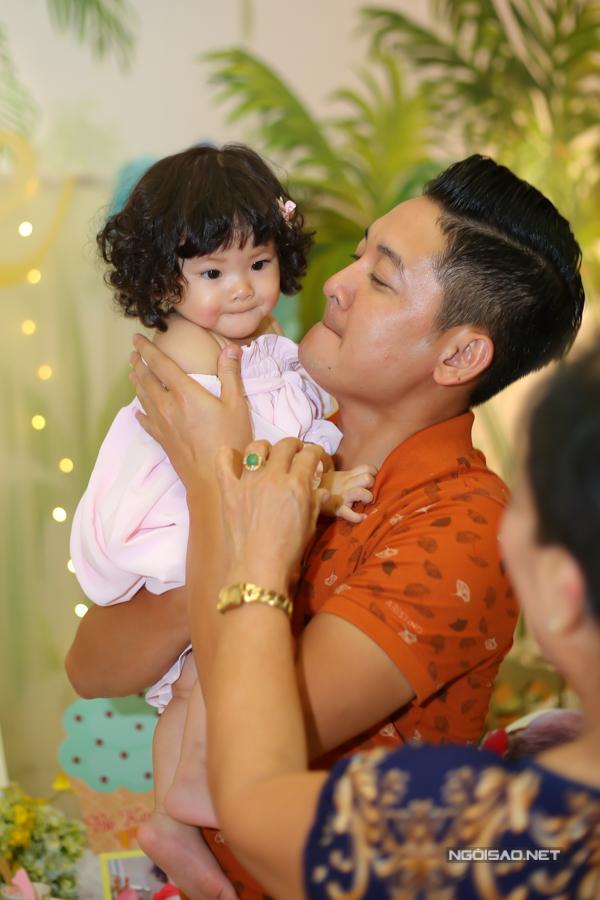 Vợ chồng Hải Băng - Thành Đạt làm tiệc thôi nôi cho con gái - 4