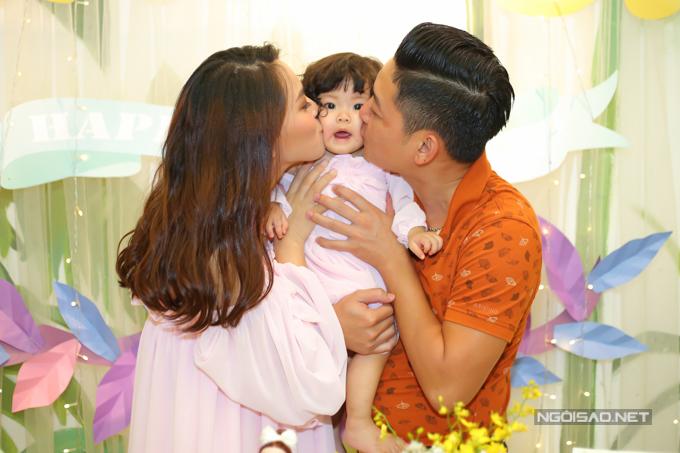 Vợ chồng Hải Băng - Thành Đạt làm tiệc thôi nôi cho con gái - 6
