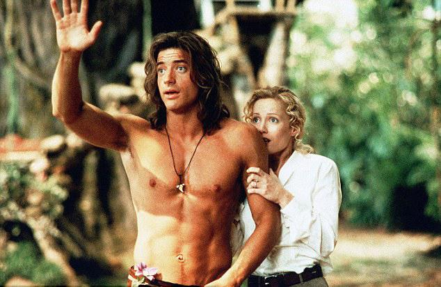 Hình ảnh nóng bỏng một thời của Brendan trong phim Chúa tể rừng xanh.