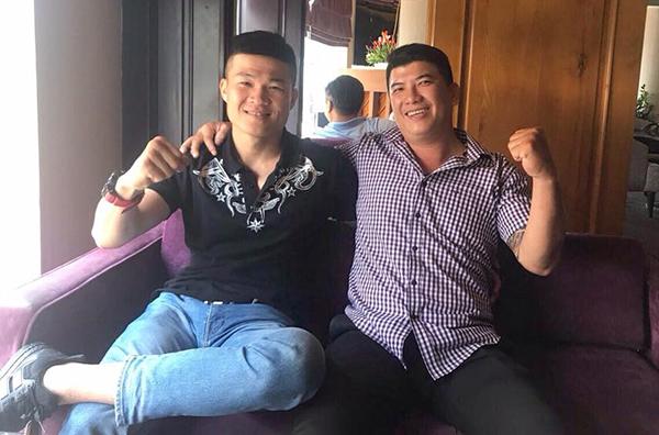 Trương Đình Hoàng gặp võ sư Nam Anh Tuấn - đại diện cho Pierre Flores để bàn thảo về trận giao đấu. Ảnh: FB.