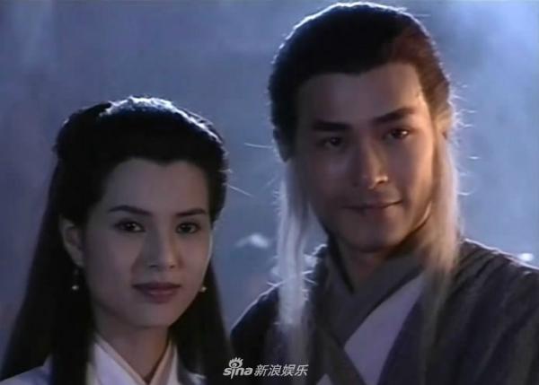 Trong khoảng thời gian đóng phim Thần điêu đại hiệp, hai người được khán giả yêu mến vàcoi là đôi kim đồng ngọc nữ của làng giải trí.