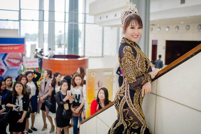 Phi Thanh Vân hiện có mặt ở Hà Nội, làm khách mời trong sự kiện của ngành thẩm mỹ.