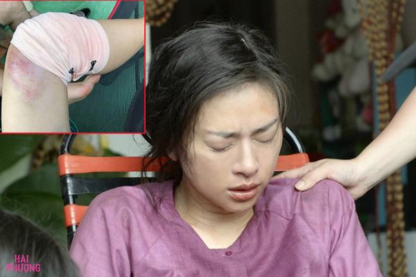 Ngô Thanh Vân ứa nước mắt vì chấn thương.