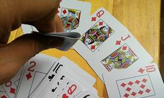 7 năm được chồng yêu nhưng tôi chẳng hạnh phúc vì thói cờ bạc của anh