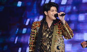 Noo Phước Thịnh tự tin biểu diễn trước 5.000 khán giả Hong Kong
