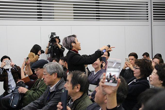 Cả khán giả Nhật lẫn Việt đều dành tình cảm cho giọng ca Yêu xa.