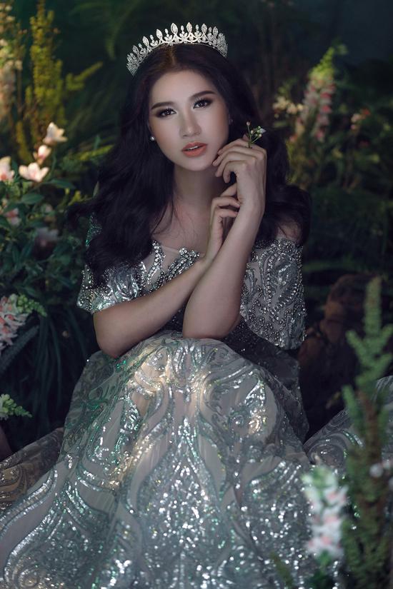 Sắp tới, Trang Trần sẽ tái xuất màn ảnh rộng với vai bà mẹ ghê gớm trong phim điện ảnh Yêu em bất chấp của đạo diễn Văn Công Viễn.