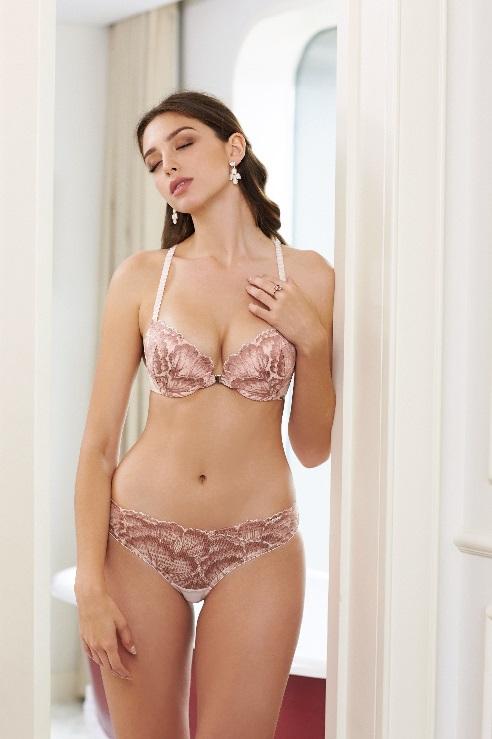 Áo Push up tạo dáng ngực quyến rũ tự nhiên từ Corèle V.
