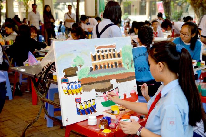 Vòng chung khảo Nét vẽ xanh lần thứ 21 diễn ra trong hai ngày 24-25/3, tại trường tiểu học Nguyễn Thái Sơn (quận 3, TP HCM).