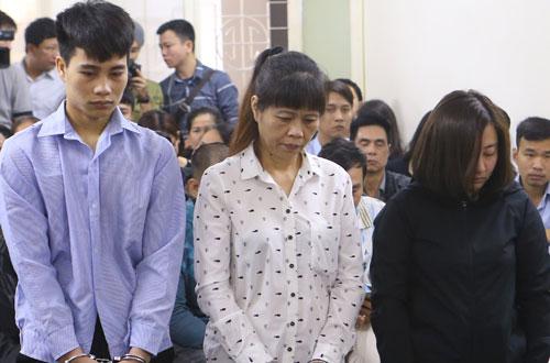Tuấn, Thì, Linh (từ trái qua) tại phiên tòa.