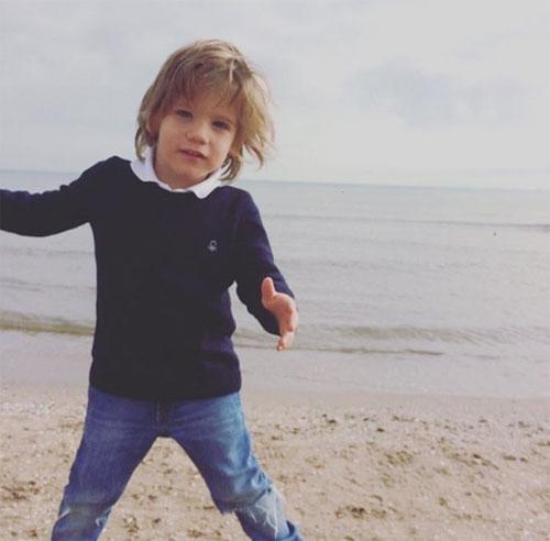 Cậu nhóc 5 tuổi ra đi sau một năm chống chọi với bệnh ung thư.