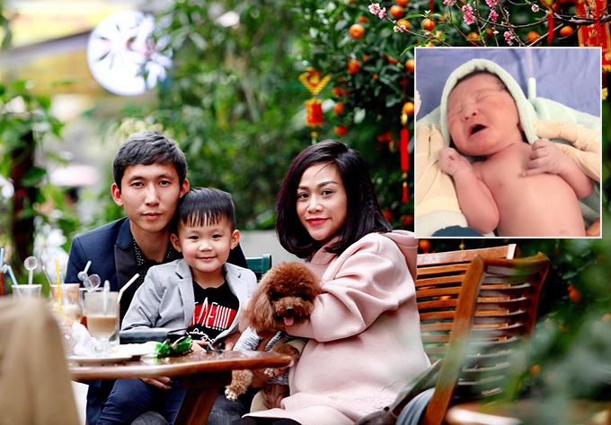 Gia đình Nghiêm Xuân Tú chào đón thành viên mới. Ảnh: FB.