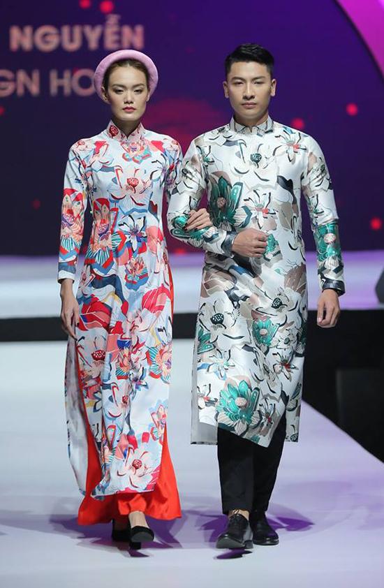 Áo dài đôi, áo dài cho nam giới cũng được tập trung khai thác ở bộ sưu tập mới.