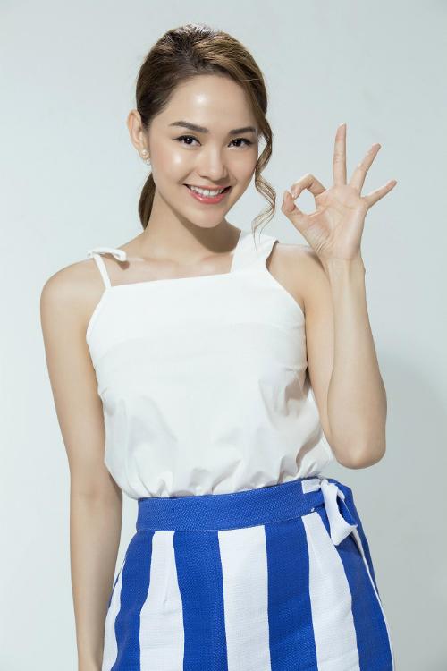 Skin Aqua là lớp lót thích hợp cho những người thíchphong cách trang điểm tự nhiên như Minh Hằng.