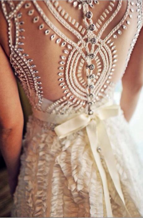 Mẹo mua váy cưới giảm giá nhưng trông vẫn sang, xịn - 2