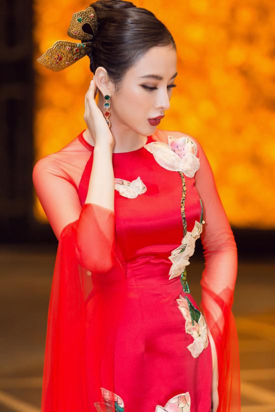 Angela Phương Trinh biểu diễn xuất thần trong show Thủy Nguyễn - 9
