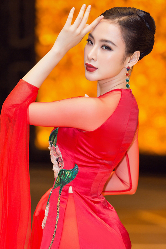 Angela Phương Trinh biểu diễn xuất thần trong show Thủy Nguyễn - 8