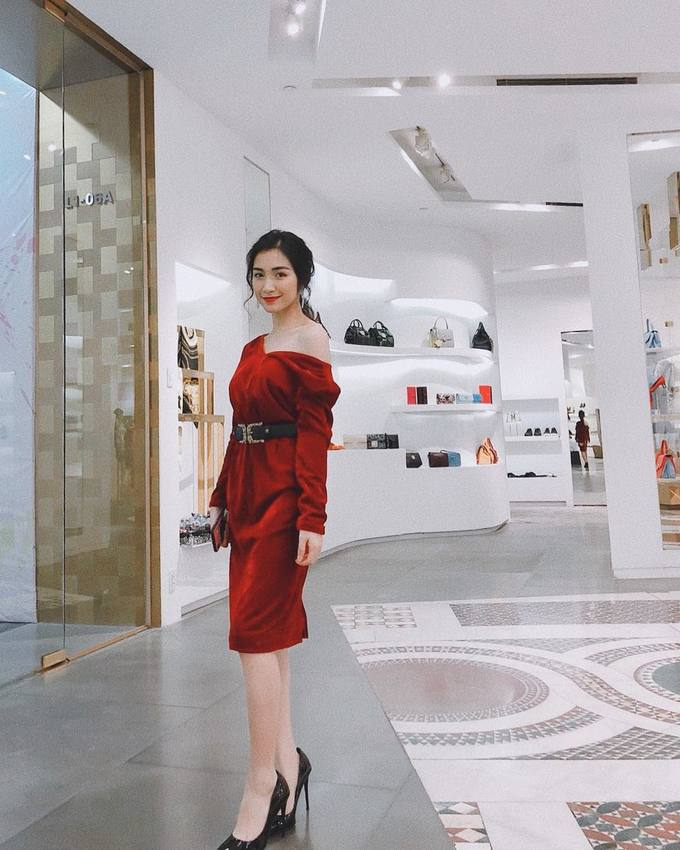 Gu thời trang ngày càng sành điệu của Hòa Minzy
