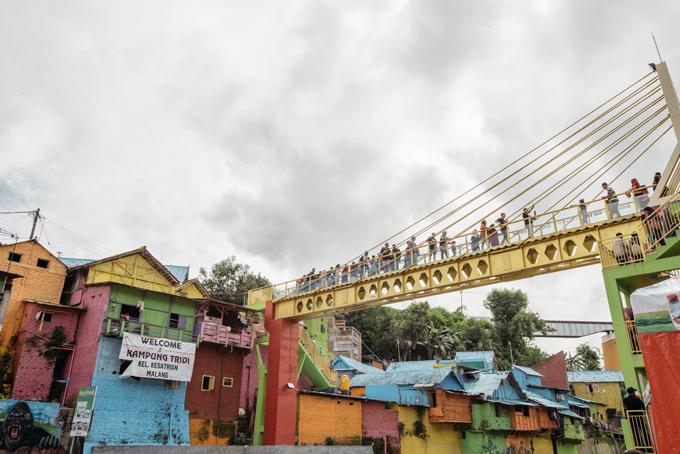Làng cầu vồng được cứu sống từ khu ổ chuột ở Indonesia - 10