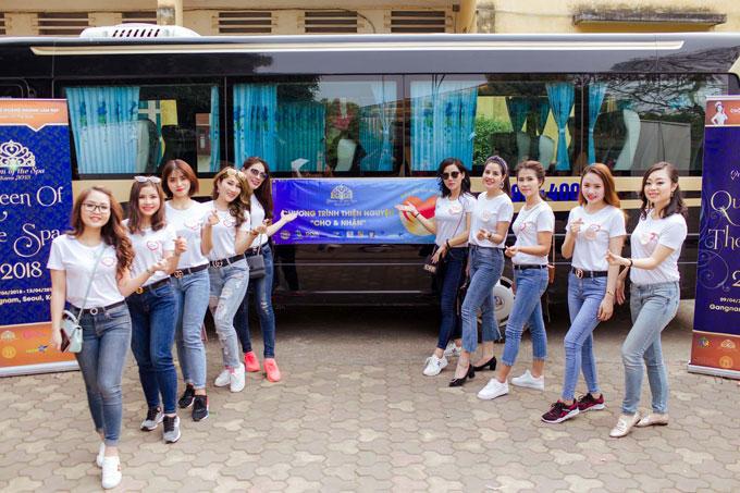 Cuối tuần qua, các thí sinh của cuộc thi Queen of the spa (Nữ hoàng ngành làm đẹp)tới thăm Trung tâm nuôi dưỡng trẻ khuyết tật Hà Nội, thôn Tràng An, Ngọc Sơn, Chúc Sơn, Chương Mỹ, Hà Nội.
