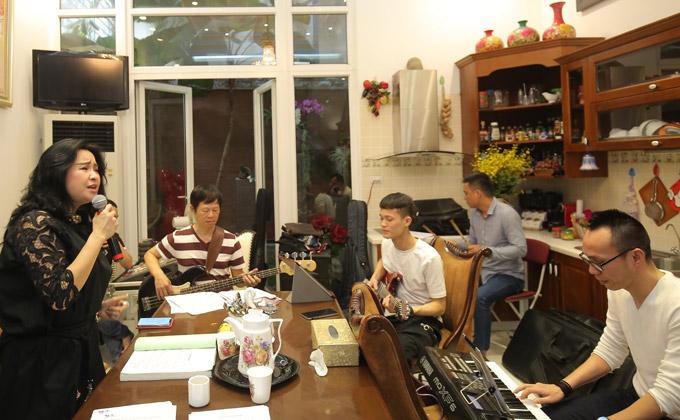 Thanh Lam, Trọng Tấn đến nhà riêng nhạc sĩ Phú Quang để tập nhạc - 3