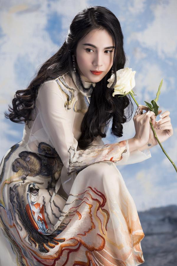 Ca sĩ Thủy Tiên. Ảnh: Lê Thiện Viễn, stylist: Đinh Thanh Long