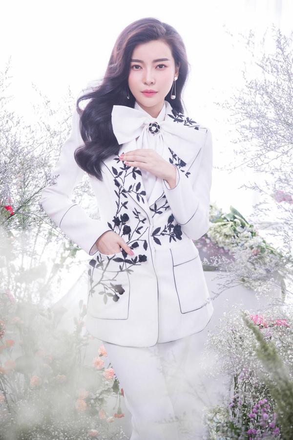 Sau 6 tháng dao kéo, Cao Thái Hà tự tin với hình ảnh mới - 5
