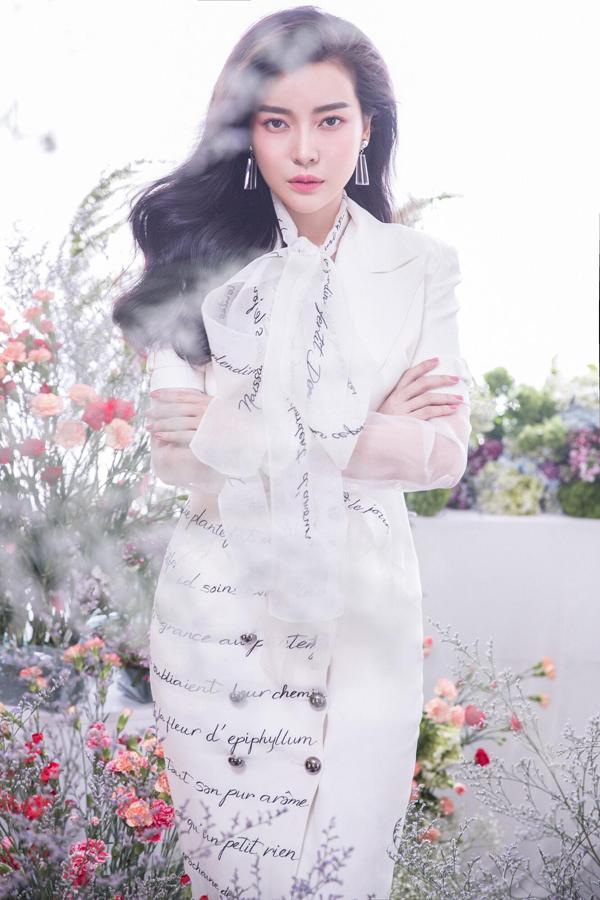 Sau 6 tháng dao kéo, Cao Thái Hà tự tin với hình ảnh mới - 8