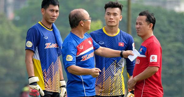 HLV Park Hang-seo đang có trong tay ba thủ môn xuất sắc Văn Lâm, Tuấn Mạnh và Tiến Dũng. Ảnh: HĐ.
