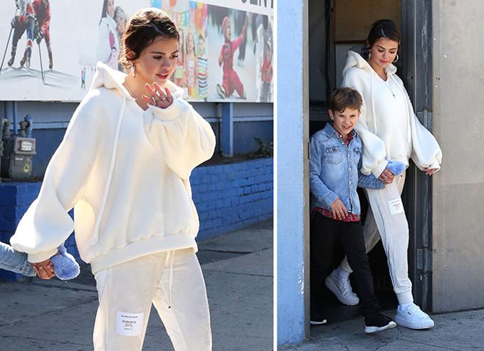 Nguồn tin chia sẻ trên X17: Selena luôn yêu Justin nhưng cô không muốn tiếp tục mối tình này nữa. Cô ấy không muốn có một mối quan hệ với quá nhiều rắc rối. Dù có cố gắng đến đâu, Selena và Justin cũng có rất nhiều vấn đề đã xảy ra trong quá khứ mà cả hai đều không thể vượt qua được. Một trong số đó là sự thiếu niềm tin của Selena đối với Justin sau tất cả những hành vi và sự ích kỷ của anh ấy.