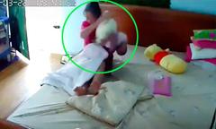 Người giúp việc liên tục giật lắc bé 3 tháng tuổi ở Hà Nội