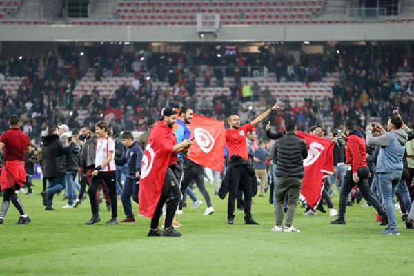 Đội tuyển thắng giao hữu, fan Tunisia ăn mừng như vô địch World Cup - 5